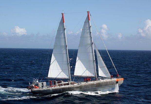 tara oceans boat at sea
